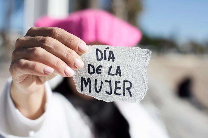 dia-mujer-merkal-2018
