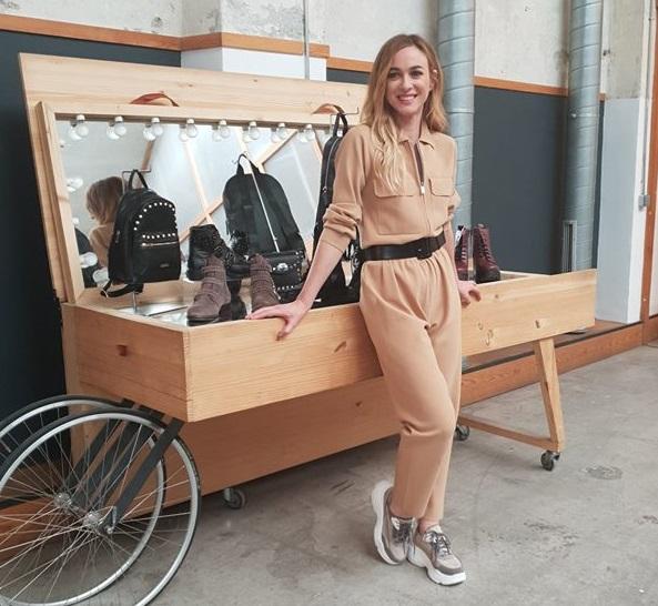 Marta Hazas, con unas ugly shoes en el evento de Merkal Flash.