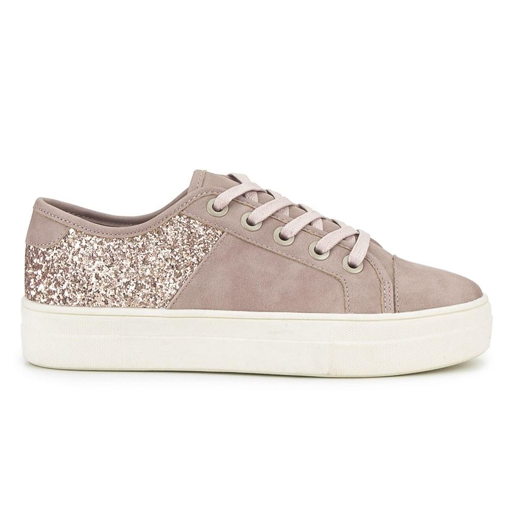 Sneaker con glitter.