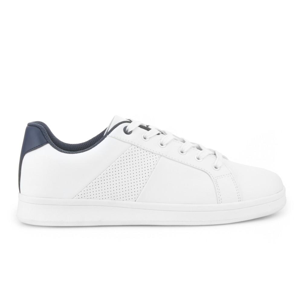 Sneaker blanca con perforados NYC.