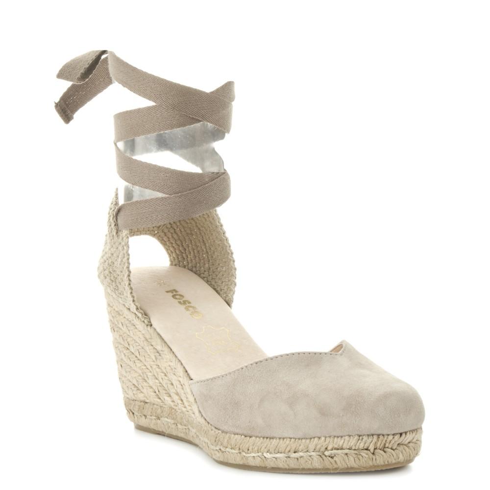Sandalia de esparto con lazo de piel FOSCO ideal para hacerte con ellas en las rebajas de verano.