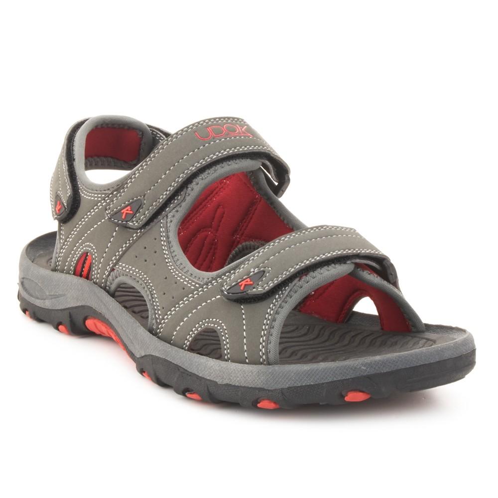 Sandalia deportiva UDOK. 25,99€