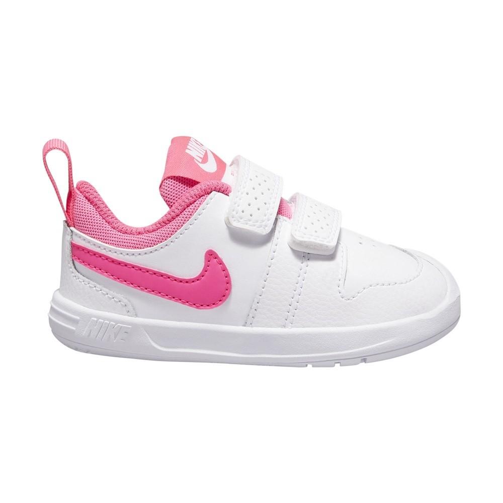 Nike color blanco y rosa para niña