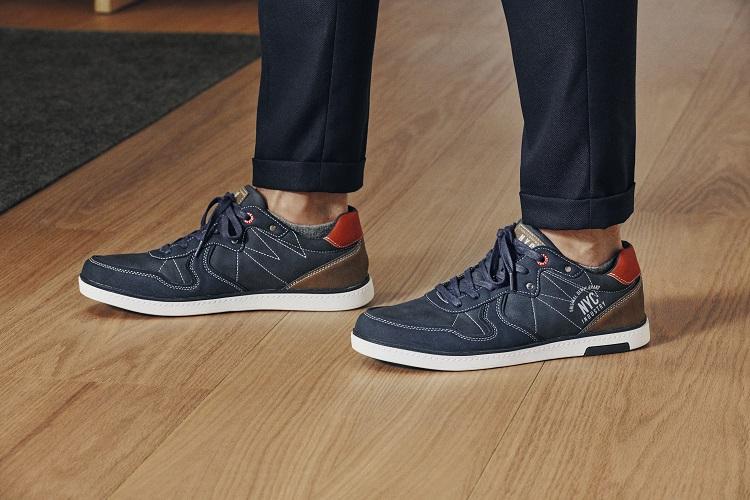 Sneaker hombre look otoño