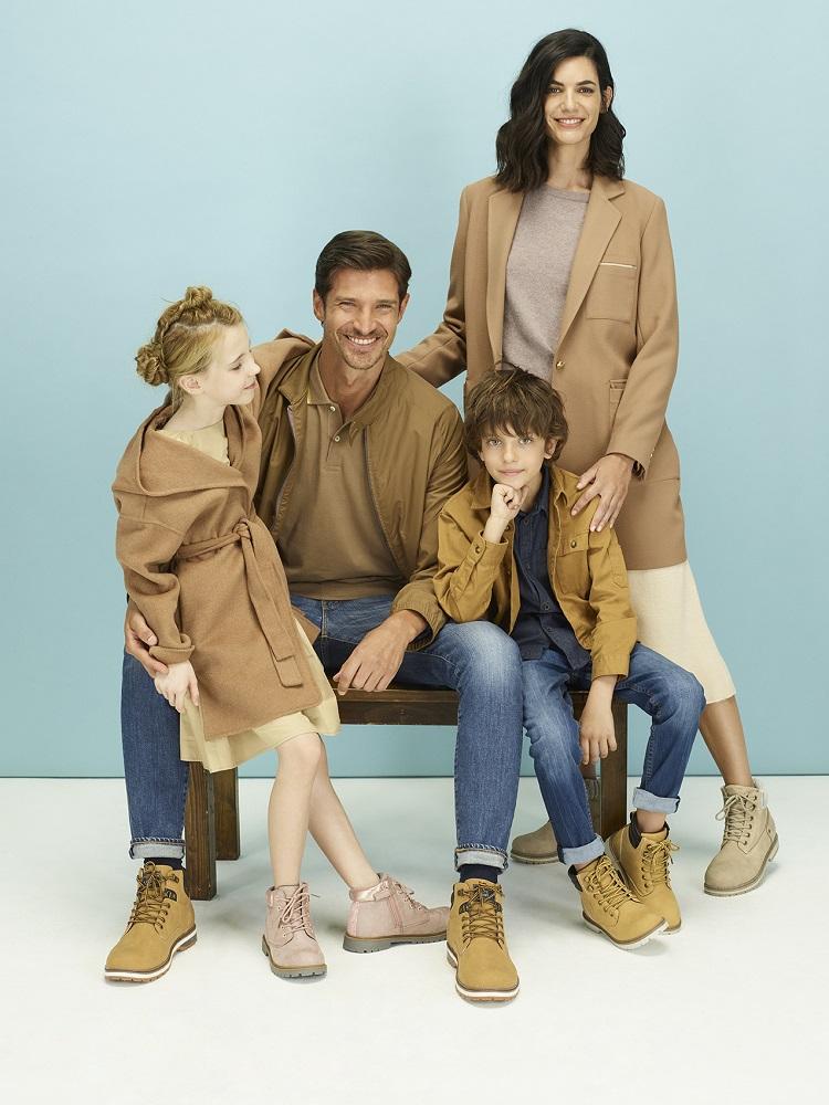 Familia con botas de montaña