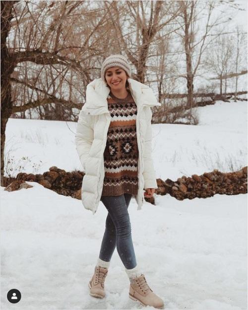 Look invernal con botas de montaña de @didiquic_